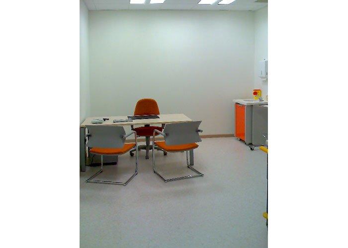 Unimedica di monticella brianza mobili per ufficio milano for Brianza arredi